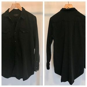 Lucky Brand washed denim snap shirt. Size (XL).